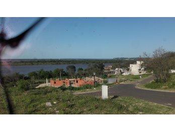 Liquidamos terreno de casi 1000m²/Puerto Urquiza/
