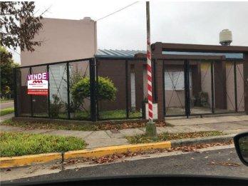 vendo casa zona Miguel David y Artigas