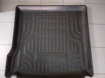 Bandeja Plastica De Baul Cubre Alfombra Duster 4x2