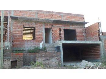 LIQUIDO CASA EN CONSTRUCCIÓN ZONA PARACAO 3 DORMITORIOS