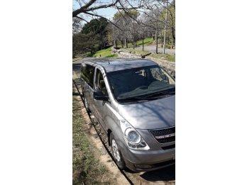 Van H1 Hyundai  Diesel 12 pasajeros, full premium 2011