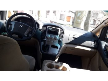 Hyundai H1  2.5  Diesel 12 pasajeros
