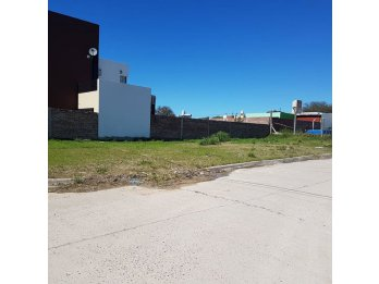 SE VENDE TERRENO ZONA ZANNI AL FINAL