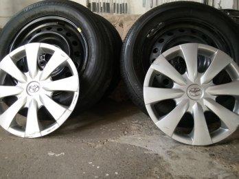 Vendo ruedas cubiertas Bridgestone 15 toyota corolla