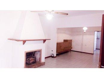 Alquilo Amplia Casa Interna - Don Bosco