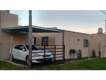 Alquilo casa en zona de quintas Las Acacias