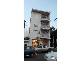 Alquilo departamento 1  dorm en calle Belgrano