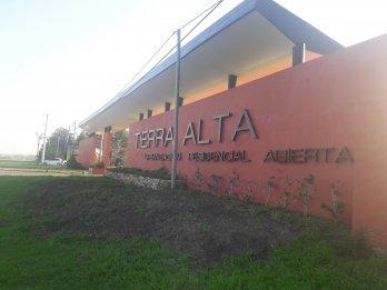 GRAN OFERTA ! LOTE EN ESQUINA TIERRA ALTA.-LISTO P/CONSTRUIR