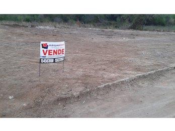 Vendo Lote Barrio Médico II. 450 m2. En esquina.