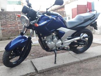 VENDO O PERMUTO YBR 250