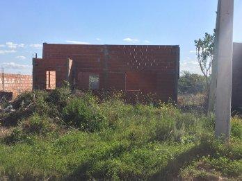 VENDO TERRENO CON CONSTRUCCIÓN SOBRE AV RAMIREZ