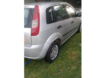 Vendo Ford Fiesta Mod 2004
