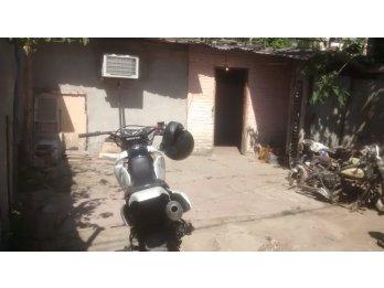 Vendo casa a restaurar en Paraná