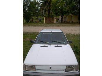 Renault 9 _ Nogoyá _ Entre Ríos
