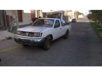 nissan frontier diesel 1999 vendo con faltantes