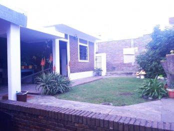 Casa Céntrica - Zona Club Echague