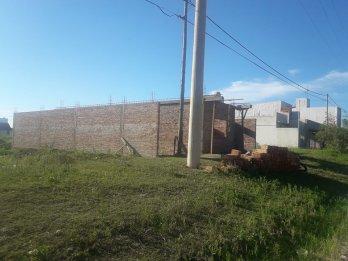 LOTE DE 300M2 ESCRITURADO Y LISTO P/CONSTRUIR.-AV. AMÉRICAS
