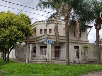 VENDEMOS GRAN CASA EN ESQUINA, ZONA PARACAO