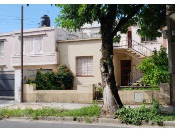 Casa en venta zona parque (planta baja)