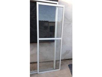 Vendo puerta balcon