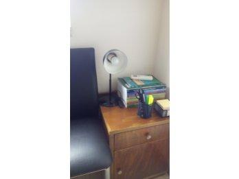 Lámpara para escritorio o mesa de luz