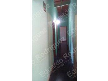 En venta buena casa zona Santos Dominguez