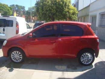 Toyota etios xls 1.5 5ptas 2015