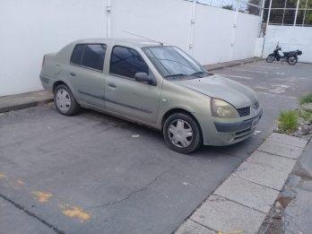 Vendo clio 4 puertas diesel 3434602509