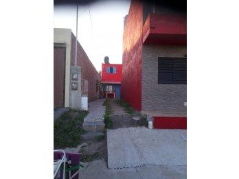 Alquilo Duplex calle Rondeau zona escuela de policia