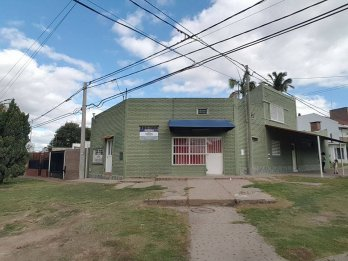 Gutierrez y Quesada, Local