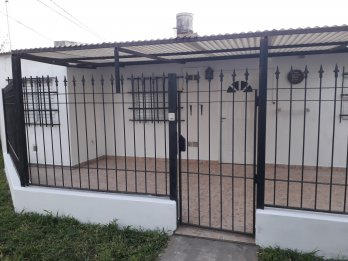 Se alquila casa barrio paracao