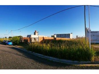 Se vende terreno en Urbanizacion ''Los Jacarandaes''
