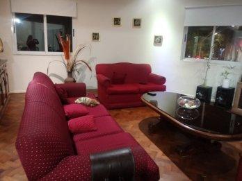 Vendo casa en planta alta zona parque (Alameda y Santiago)