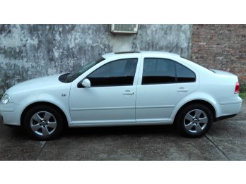 volkswagen BORA 2013 impecable