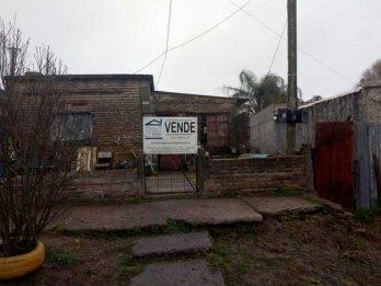 VENDO Casa a reciclar con terreno 10x50m