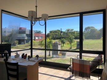 Moderna casa en Santa Candida