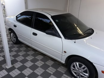 VENDO CHRYSLER NEON LE