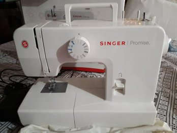 Vendo singer  promise 1408 impecable! $8.000