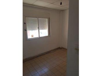 Se alquila departamento 3 dormitorios con cochera - centro