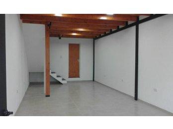 ALQUILO LOCAL COMERCIAL DE 2 PISOS EN CALLE RAMIREZ