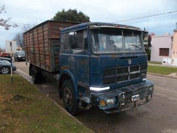 CAMION CON CARROCERIA FIAT 619   1977