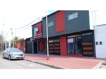 Vendo casa +local+2monoambientes