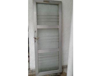 puerta para frente