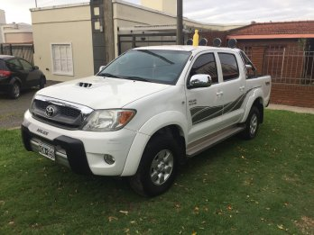 VENDO TOYOTA HILUX 2008 SRV TDI 3.0 4x2 MANUAL CABINA DOBLE