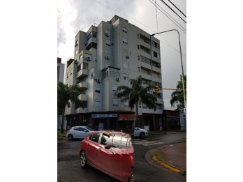 VENDO EN CALLE SALTA Y URUGUAY