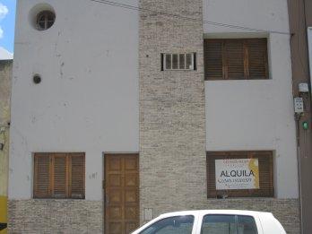 ALQUILO GRAN CASA ZONA CENTRO