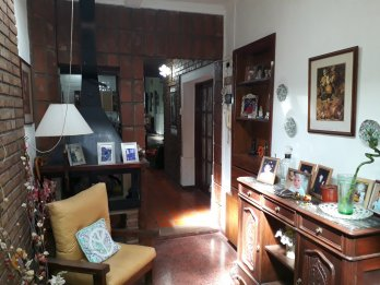 VENDO CASA CENTRICA + DEPARTAMENTO INDEPENDIENTE CALLE CARBO