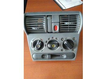 Chevrolet Corsa ventilación y aire acondicionado impecable