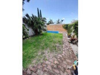 Alquiler Hermosa Casa 3 Dormitorios/2 Cocheras/Calle Nogoya