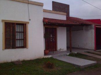 ALQUILO CASA 2 HABITACIONES CON COCHERA ZONA PARACAO